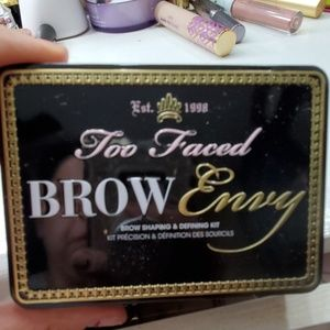 Too face brow kit